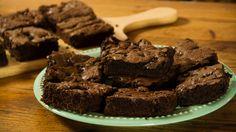 Brownies de Doble Chocolate. Húmedos y súper chocolatosos. ¡No hace falta estar horas en la cocina para que estén increíbles!