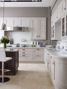 Luxury Kitchen Showroom in Tunbridge Wells Large Open Plan Kitchens, Open Plan Kitchen Diner, Kitchen Diner Extension, Open Plan Kitchen Living Room, New Kitchen Designs, Interior Design Kitchen, Kitchen Ideas, Luxury Kitchens, Home Kitchens