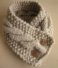knitted scarf with buttons