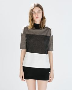 COLOR BLOCK HIGH-NECKED T-SHIRT