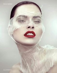 Homemade Face Masks That Will Make You Glow Create these easy DIY facials in your kitchen on the cheapCreate these easy DIY facials in your kitchen on the cheap Beauty Photography, Portrait Photography, Beauty Makeup, Hair Makeup, Makeup Eyes, Makeup Art, Images Esthétiques, Too Faced, Beauty Shoot