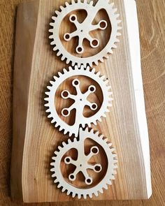 Nautilus weird gears 😉  Well, the last one was not the last one! Never say never... Plans & design from #ClaytonBoyer  #woodworking #scrollsaw #woodgears #woodengears #gears #wood #woodart #woodenart #handmade #wooddesign #instawood #bois #chantournage