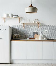 Hexagonízate: Mosaicos de vidrio Hexagonales | La Bici Azul: Blog de decoración, tendencias, DIY, recetas y arte