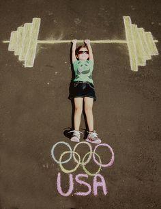 Olympic Weights in Sidewalk Chalk - fun photo idea! Kids Olympics, Summer Olympics, Photo Illusion, Summer Crafts, Crafts For Kids, Olympic Idea, Olympic Sports, Olympic Games, Chalk Photography
