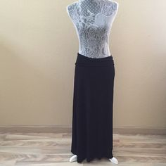 Black Maxi Skirt Sz M Great maxi skirt in great condition.  Worn once or twice.   NO TRADES Skirts Maxi