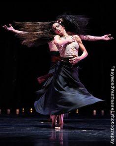 Miriam Peretz and Shahrokh Moshkin Ghalam in Love Stories of the Shahnameh. Photo: Raymond van Tassel