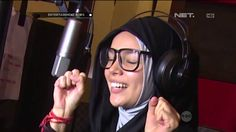 Dewi Sandra Percayakan Riasan Wajahnya pada Make Up Artist Profesional