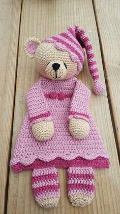Rag doll bear inspiration only Ff lappenpop beertje Crochet Lovey, Crochet Gifts, Baby Blanket Crochet, Crochet Dolls, Knit Crochet, Amigurumi Patterns, Crochet Patterns, Knitted Animals, Stuffed Animal Patterns