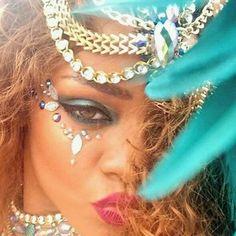 Loving those Jewels RhiRhi wearing fuh Kadooment Day 2015