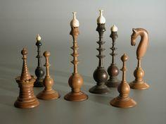 Zeldzaam Hollands spel uit 1780. From Holland, rare chess set ca. 1780. Made of wood.