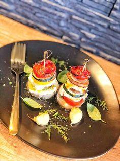 Turnuleț de legume Panna Cotta, Ethnic Recipes, Food, Dulce De Leche, Essen, Meals, Yemek, Eten