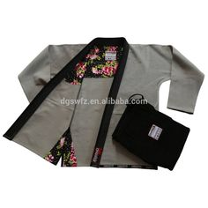 One of the best and Newest Boardshorts for looks that will require a person from boardwalk to effectively shore. Jiu Jitsu Gear, Jiu Jitsu Training, Brazilian Jiu Jitsu Gi, Brazilian Jiujitsu, Jiu Jitsu Techniques, Rash Guard Women, Sport Outfits, Gym Outfits, Outfit Goals