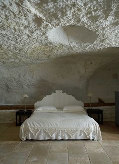 White stucco ceiling in a bedroom in Puglia, Italy.     masseria_4.  Reminds me of a moonscape.   : )
