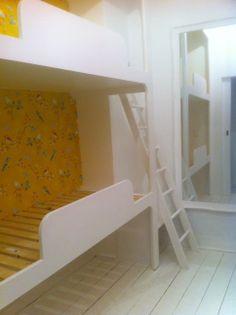 Super bunk bed