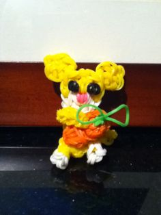 Rainbow loom Easter bunny with carrot