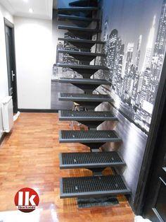 ventajas de una escalera de herreria en donostia san sebastian gipuzkoa Loft Staircase, Staircase Handrail, Basement Stairs, Modern Staircase, House Stairs, Stair Railing, Staircase Design, Cantilever Stairs, Steel Stairs