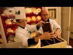 ▶ The Gingerbread White House - YouTube (2009)