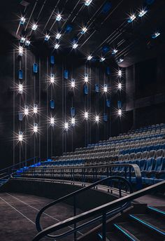 Should there be a spectacle before the show? Cinema Box, Cinema Theatre, Auditorium Architecture, Ballroom Design, Indoor Wall Fountains, Theatrical Scenery, Hall Interior Design, Really Cool Photos, Home Cinema Room
