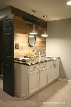 Changes to the basement kitchenette! from Thrifty Decor Chick Small Basement Kitchen, One Wall Kitchen, Basement Kitchenette, Kitchenette Ideas, Modern Basement, Space Kitchen, Basement Remodel Diy, Basement Remodeling, Kitchen Remodel