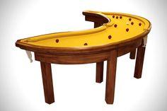 + Criatividade :   Que tal uma mesa de sinuca, no formato de uma banana? Invenção de Cléon Daniel.