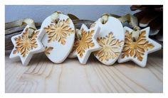 Gold dusted snowflake ornament Cold porcelain Set by LaNiqueHOME, €24.00