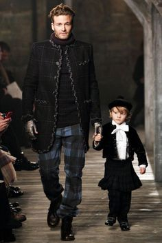 """De père en fils.   Paris-Edimbourg in Texas    Karl Lagerfeld CHANEL's Metiers d'Art will be held in Dallas after first showing at Linlithgow Palace in Scotland.     """"""""There has to be some magical surrounding. That's why I went to Scotland to this castle where Mary Stuart was born, and it was quite a magical moment. To do the opposite, next time, in a year, I will go to Dallas. You know why? First of all, I love Texas. I love Texans. There's another reason. When Chanel reopened, the Fren"""