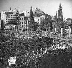 1946 ~ Election rally in Syntagma square, Athens Greece Pictures, Life Pictures, Old Pictures, Old Photos, Vintage Photos, Paris Skyline, New York Skyline, Athens Hotel, Life Magazine