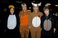 The Vamps in onesies Bradley Simpson, The Vamps Last Night, Vamps Band, Bradley The Vamps, Married In Vegas, Will Simpson, New Hope Club, Pop Rock, 1d And 5sos
