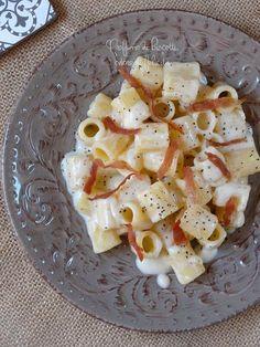 good italian dishes to cook Popular Italian Food, Best Italian Recipes, Mexican Food Recipes, Italian Pasta, Italian Dishes, Italian Cooking, Italian Meals, Parmesan, Italian Food Restaurant