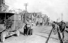 The sea front and White Tower at Salonica after the great fire. Greece Pictures, Old Pictures, Old Photos, Europe Eu, The Great Fire, Thessaloniki, Macedonia, Back In The Day, Athens