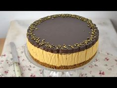 Tarta de dos chocolates con galletas ¡Sin horno! | Cuuking! Recetas de cocina Chocolate Caramels, Fashion Cakes, Love Chocolate, Sweet Tooth, Bakery, Food And Drink, Cheesecake, Sweets, Eat
