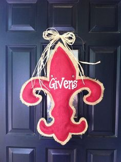 Personalized burlap door hanger.