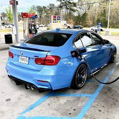 BMW blau – Lee Haire – Join in the world of pin Audi, Porsche, Bmw M4 Blue, Bmw M3 E90, Bmw Interior, Benz, Bmw M Series, F80 M3, New Bmw
