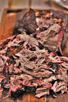 Carolina Style Pulled Pork - Rich, savory smoked pork shoulder, topped with a vinegar based, thin sauce. Smoked Pulled Pork, Pulled Pork Recipes, Barbecue Recipes, Grilling Recipes, Meat Recipes, Traeger Recipes, Grilling Ideas, Smoked Beef, Gourmet