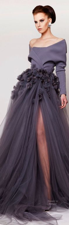 Trendy fashion show design ideas haute couture Beautiful Gowns, Beautiful Outfits, Evening Dresses, Prom Dresses, Dress Prom, Spring Dresses, Beaded Dresses, Mode Glamour, Style Couture