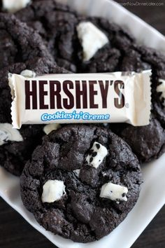 Dark Chocolate Cookies & Cream Cookies | DessertNowDinnerLater.com #cookies #darkchocolate #cookiesandcream