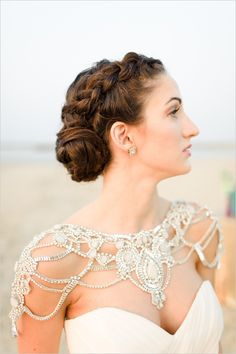 Bridal Wedding Jewelry bridal shoulder jewelry - Be a stunning and show stopping bride with these must-haves! Must-have Items for a Perfect Bridal Look Mod Wedding, Wedding Gowns, Wedding Attire, Dream Wedding, Wedding Bolero, Bling Wedding, Backless Wedding, Rhinestone Wedding, Hair Wedding