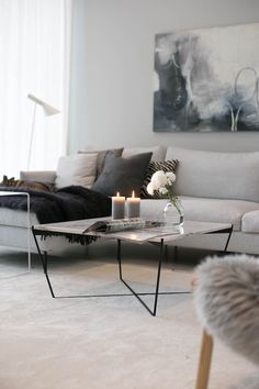 Awesome modern living room ideas are readily available on our internet site. Have a look and you wont be sorry you did. Living Room Carpet, Living Room Modern, My Living Room, Home And Living, Living Room Designs, Living Room Decor, Family Room Decorating, Decorating Ideas, Winter Home Decor