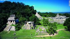 メキシコ・パレンケ遺跡のピラミッドなど。マヤ遺跡の典型と言われる=Tucan Travel提供 ▼8Aug2012CNN|世界の絶景<上> オーロラからアイスランドの火山内部まで http://www.cnn.co.jp/photo/35020058-8.html #Ruinas_de_Palenque