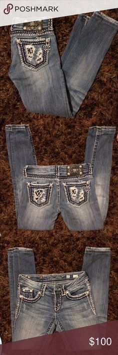 Miss me skinny jeans Excellent condition. No rips or stains. Unfortunately these are too small. I am looking to trade these for another pair of skinny Miss mes size 26. Missing button. Received in trade and girl promised she would send button and never did. Miss Me Jeans Skinny