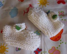 Items similar to Baby Booties white - green button months) on Etsy Green Button, Baby Booties, Knits, Dinosaur Stuffed Animal, Booty, Knitting, Trending Outfits, Toys, Unique Jewelry