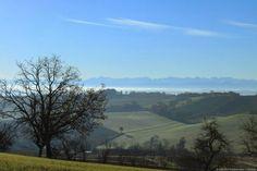 Un beau #paysage du #Gers avec vue sur la campagne et les Pyrénées...  #nature…