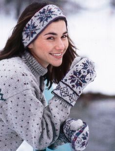 Yarnspirations.com - Patons Fair Isle Ski Band and Mittens - Patterns  | Yarnspirations
