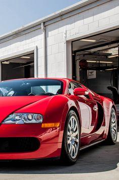 Crimson red Bugatti Veyron #CarFlash