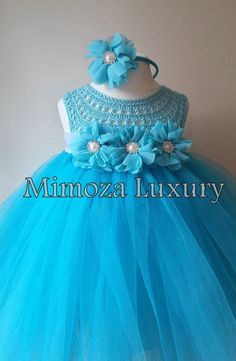 This Pin was discovered by Can Tutu Frozen, Frozen Costume, Frozen Party, Frozen Bebe, Crochet Tutu Dress, Tulle Dress, Crochet Girls, Crochet For Kids, Baby Tutu
