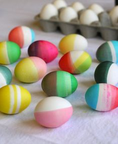 Colorblocking eggs is fun and beautiful, but harder for smaller hands without the help of an older sibling or parent. See Jane Blog shows you how to colorblock and rubber-band your eggs.