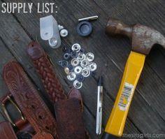 Cool Bracelets to Make: DIY Leather Bracelet - Armband Bracelet En Cuir Diy, Diy Leather Bracelet, Leather Cuffs, Leather Belts, Custom Jewelry, Handmade Jewelry, Body Jewelry Shop, Geek Jewelry, Gothic Jewelry