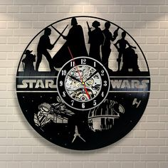 Star Wars Vinyl Wall Clock Record Gift Decor. Star Wars Gift Ideas. Star Wars Clock Ideas. Star Wars Lover Gifts. Home Decoration Ideas For Star Wars Fan.