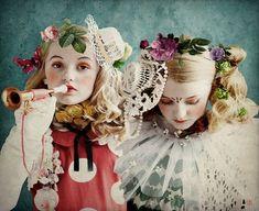 Twining by Wanda Kujacz Quirky Fashion, Fashion Art, Editorial Fashion, Kids Fashion, Vintage Fashion, Womens Fashion, Kids Patterns, Halloween Disfraces, Fine Art