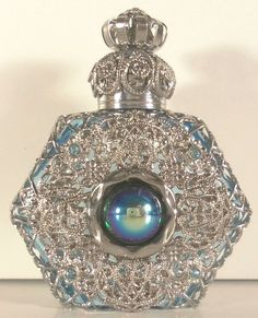 BEAUTIFUL SILVER TONE FILIGREE MINI UNIQUE PERFUME BOTTLE BLUE GLASS PEAR